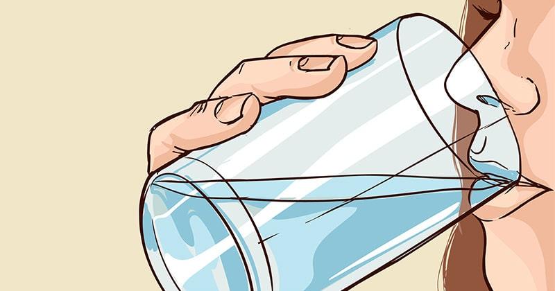 שתיית מים לפני השינה