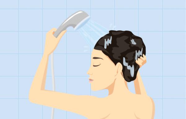 10 הרגלי מקלחת מזיקים שאתם צריכים לשנות